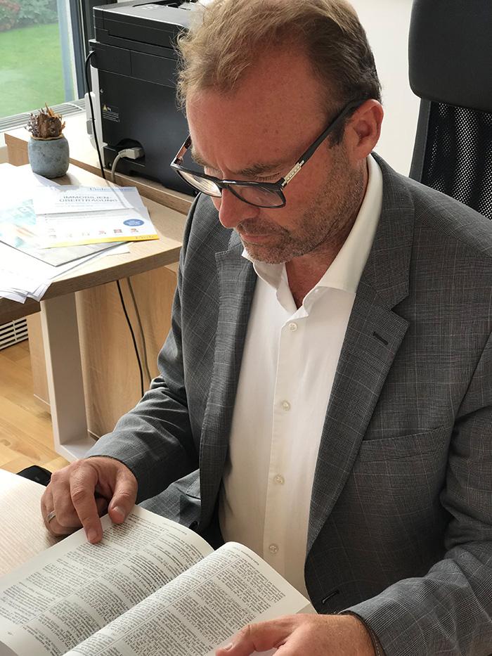 Zink Wirtschaftsberatung - Mag. Volkmar Zink - Wirtschaftsberater Experte für Lohnverrechnung / Personalverrechnung in Salzburg